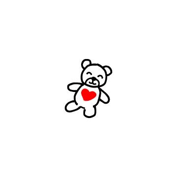 赤いハートの付いたクマのぬいぐるみ